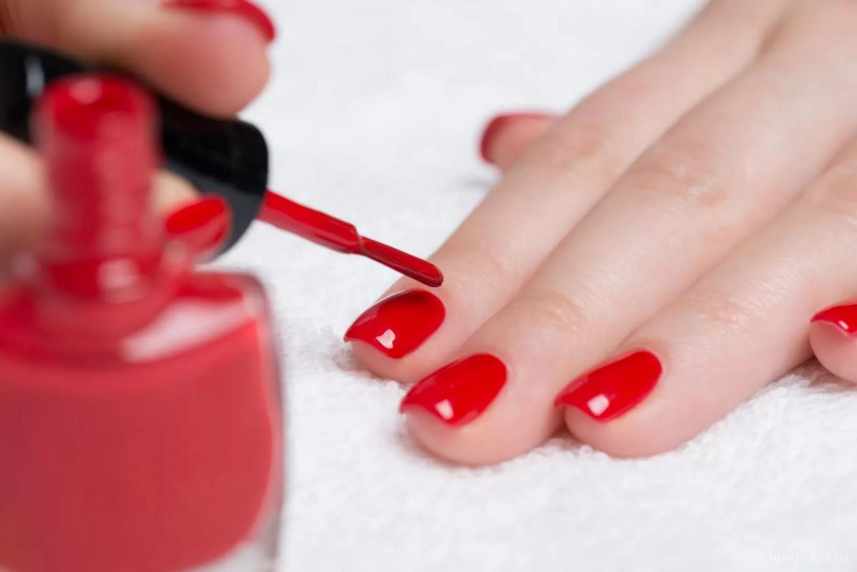 Можно ли наращённые ногти красить обычным лаком?